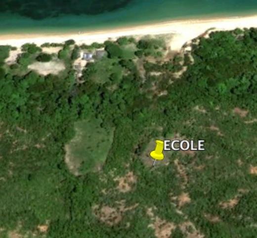 A quelques mètres de la plage de Anjanojano en Grande Terre